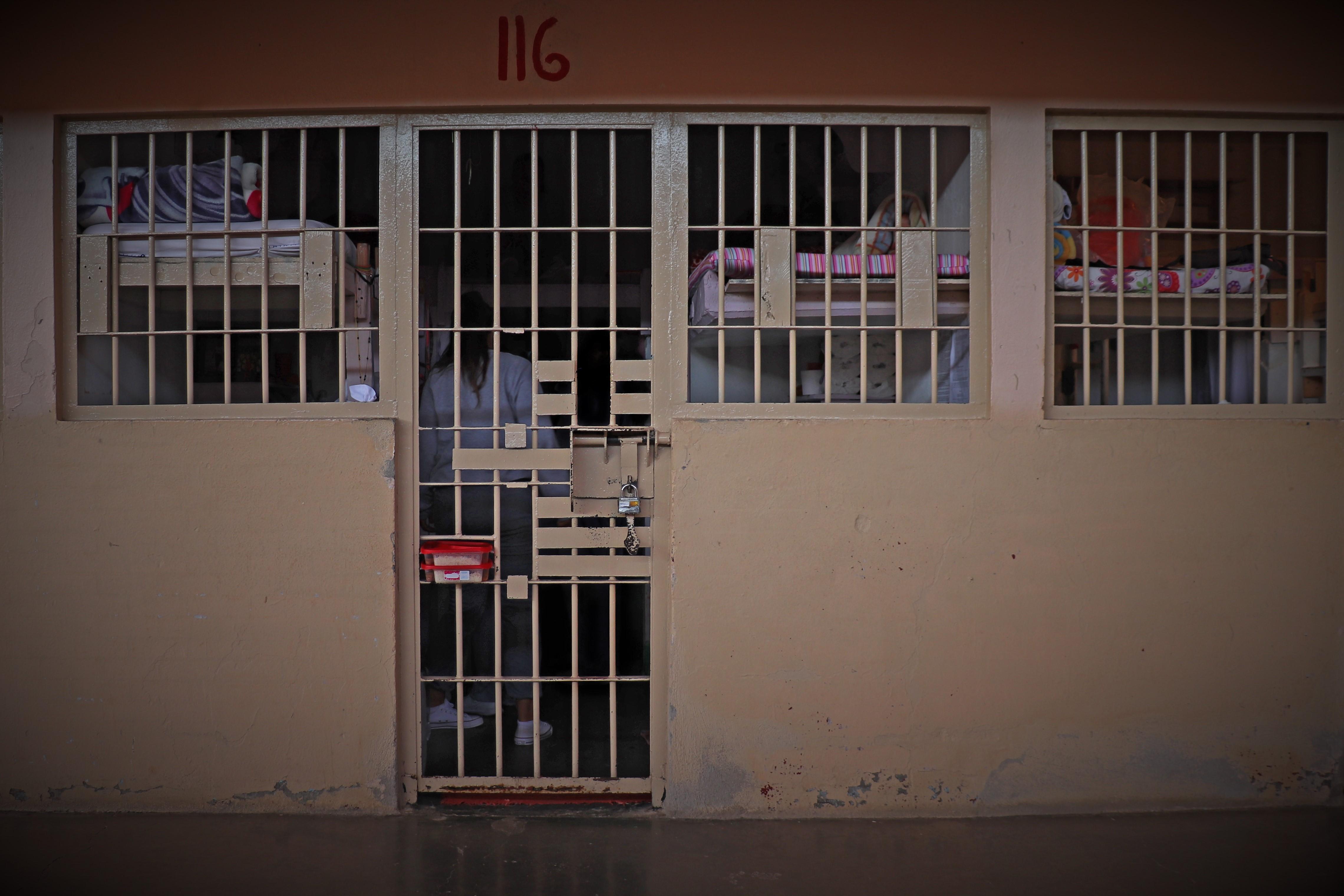 Un motín y contagios dentro de centros penitenciarios: ¡Urge la acción de jueces de ejecución!