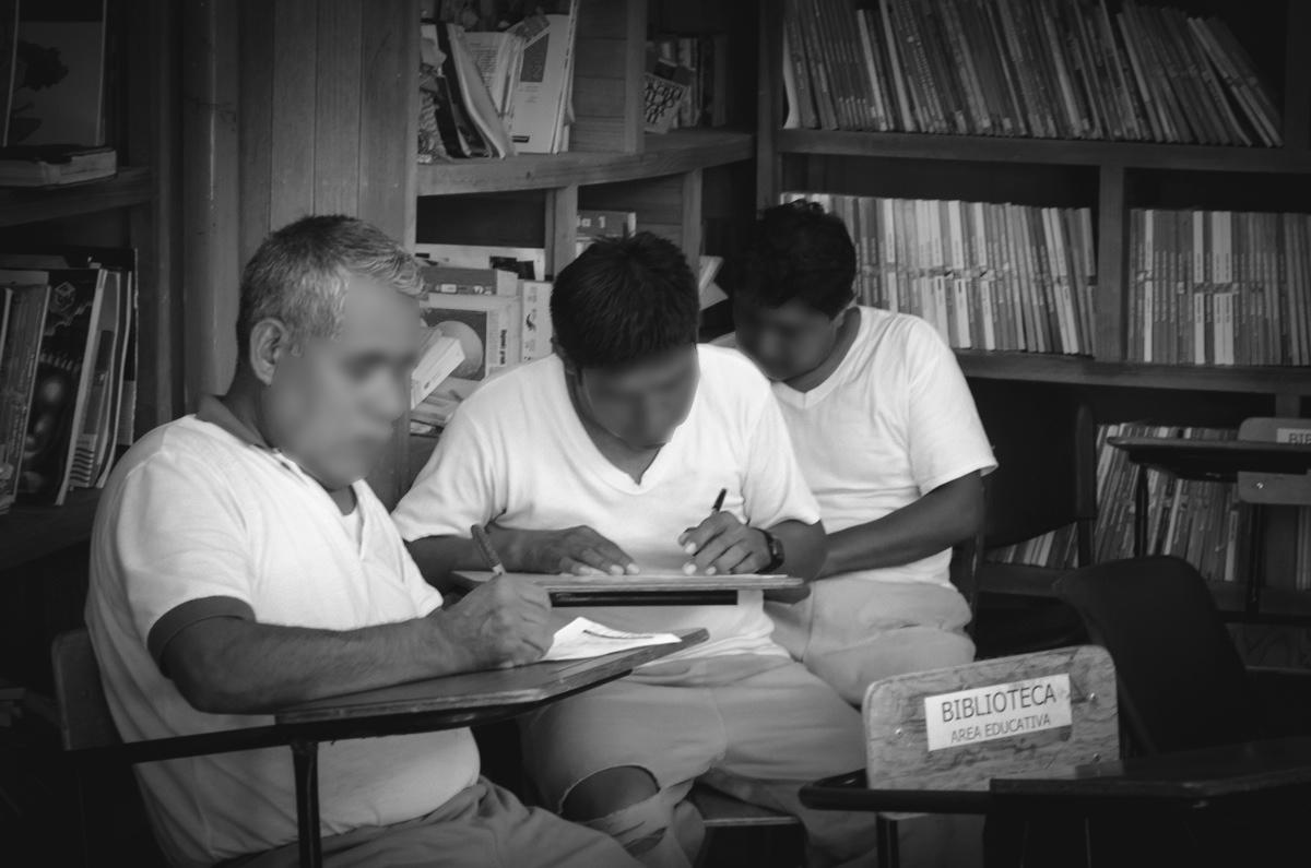 Sin educación, información, ni derechos: las personas indígenas privadas de libertad